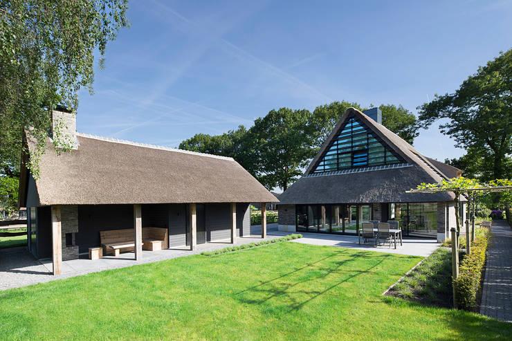 Woning Hanse: landelijke Huizen door Vermeer Architecten b.v.
