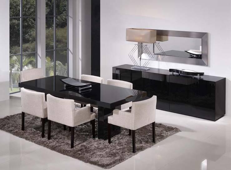 Mobiliário de sala de jantar Dining Room Furniture  MATRIX http://intense-mobiliario.com/pt/salas-de-jantar/160-sala-de-jantar-matrix.html: Sala de jantar  por Intense mobiliário e interiores;
