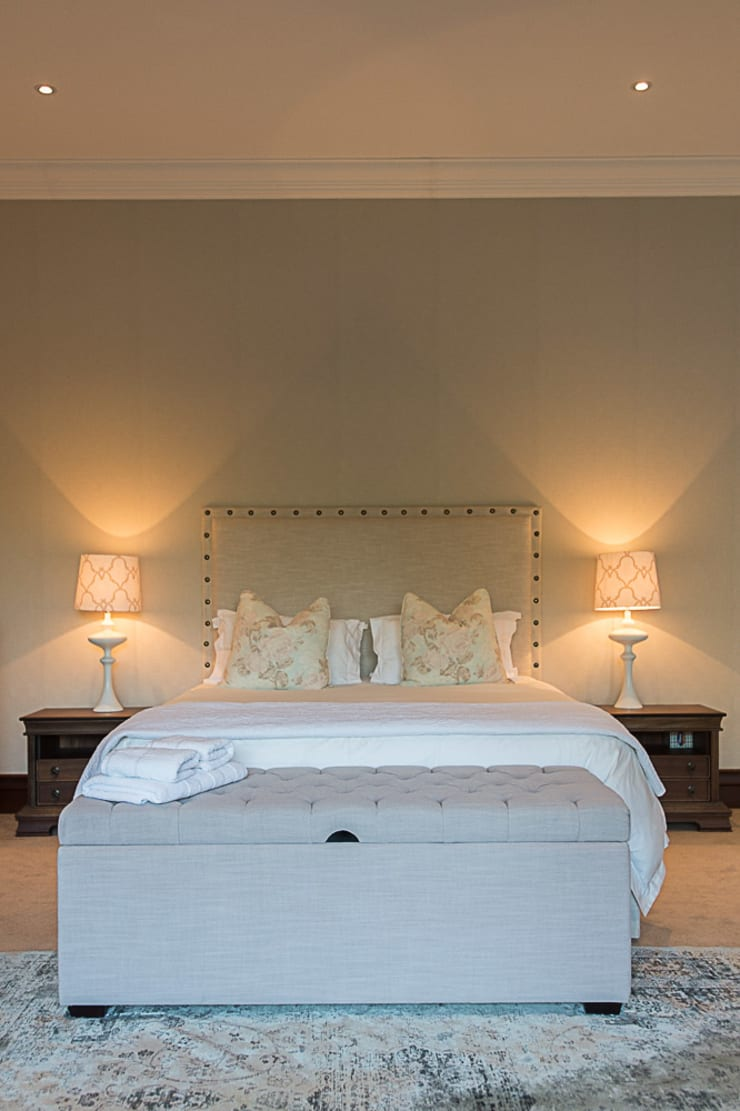 Tuscan Nights:  Bedroom by House of Decor, Classic