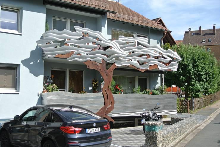 Tерраса в . Автор – Edelstahl Atelier Crouse - individuelle Gartentore