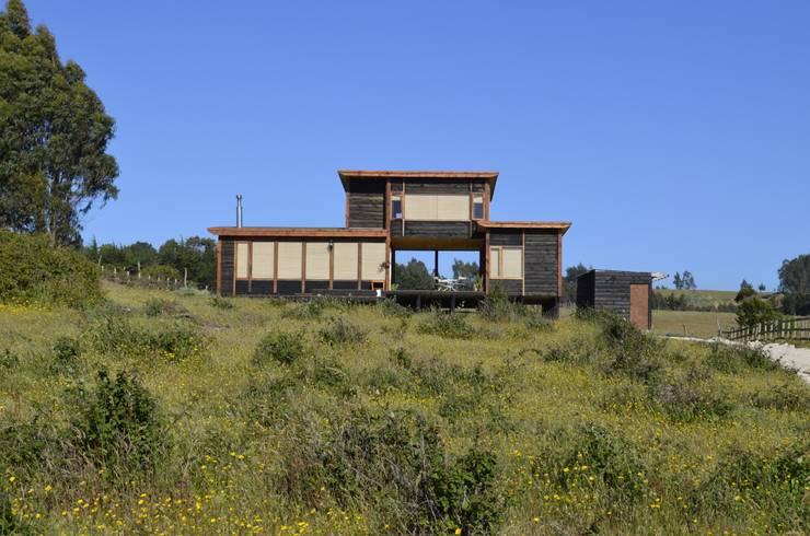 CASA AF: Casas de estilo  por BLAC arquitectos