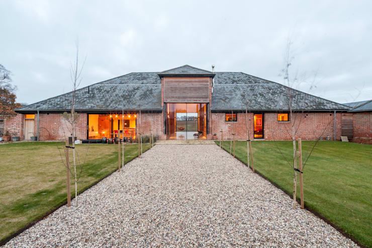 Church Hill Barn, Suffolk:   by David Nossiter Architects