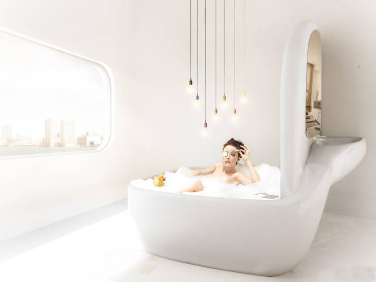 Organisch badkamer in energie-autarkisch villa, Almere:  Badkamer door OLA architecten