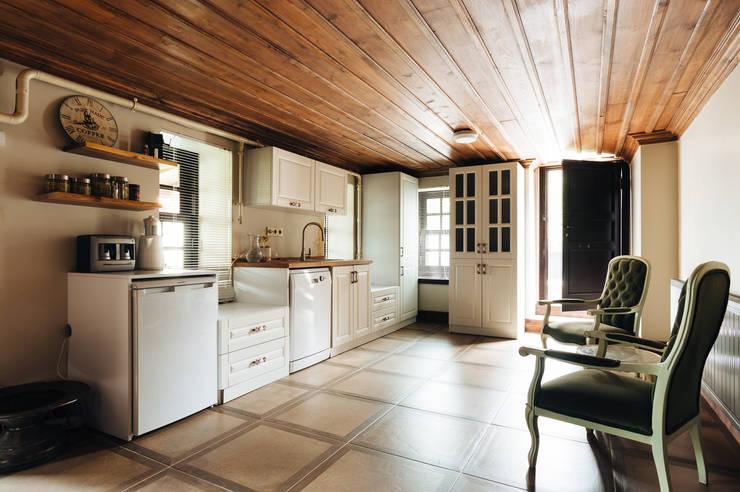 Bilgece Tasarım – Aslı& Şamil Keser konut :  tarz Mutfak, Modern