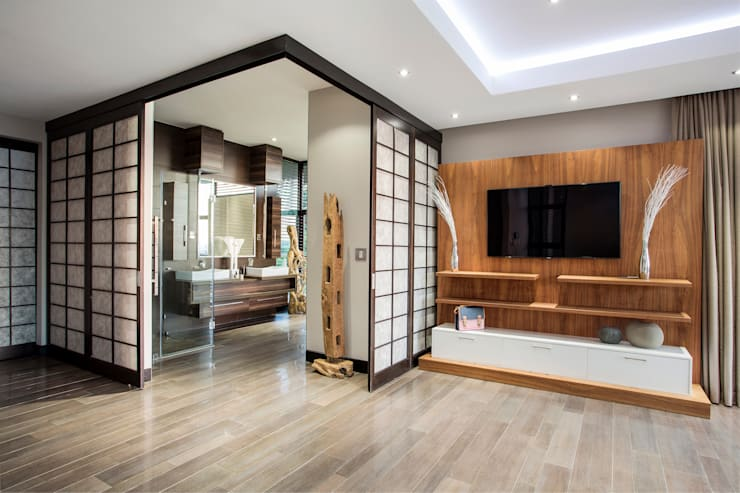 Home on a hill: modern Bathroom by FRANCOIS MARAIS ARCHITECTS