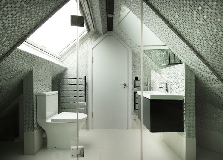 Bathroom by RS Architects