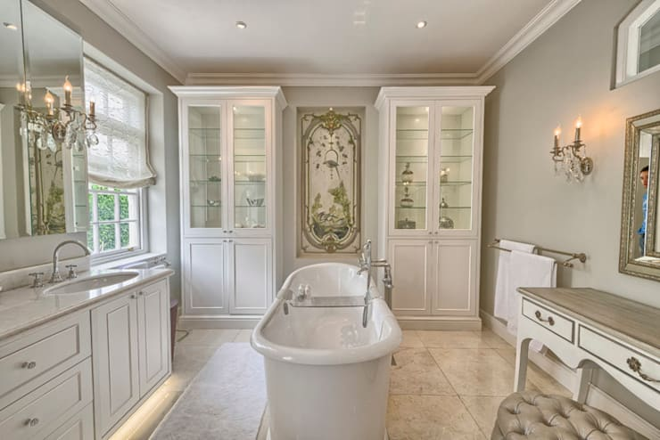 Saffraan Ave: eclectic Bathroom by House Couture Interior Design Studio