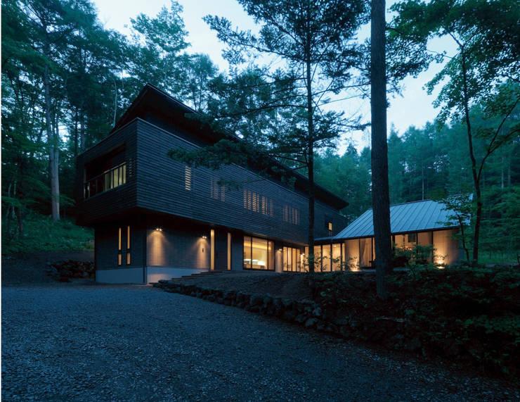 VILLA SILVA  軽井沢の別荘建築: Mアーキテクツ 高級邸宅 豪邸 注文住宅 別荘建築 LUXURY HOUSES   M-architectsが手掛けた家です。