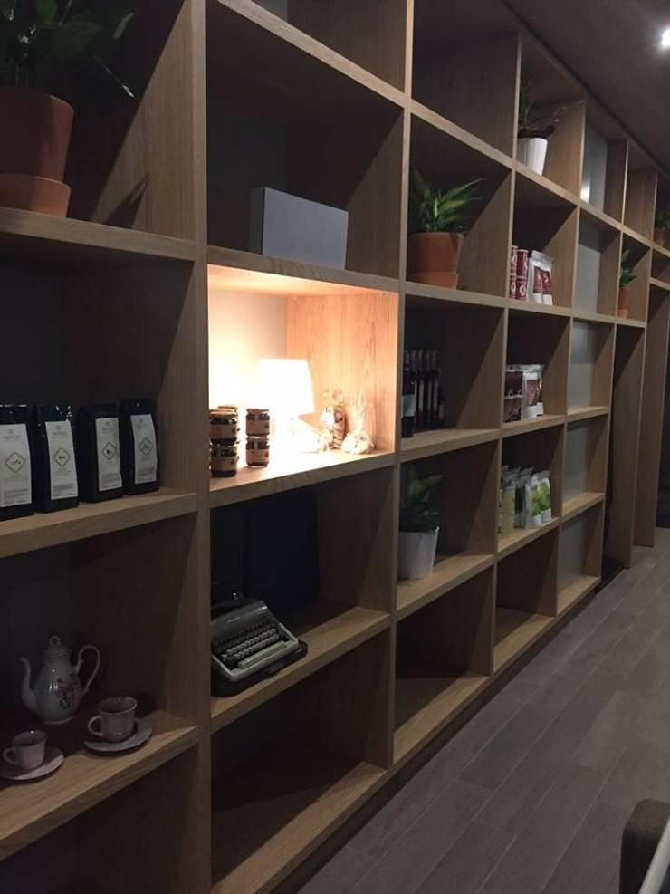 Pastelaria Guimarães Design interiores Rui Cunha parceria Equevo: Espaços de restauração  por Equevo - Interiores Design