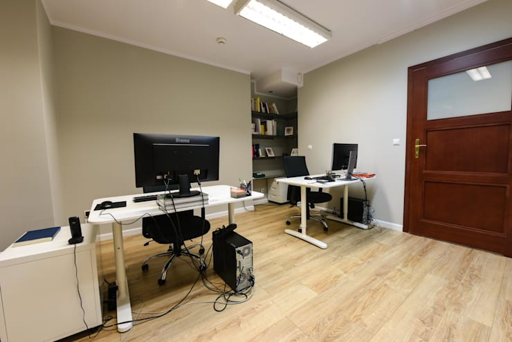 Offices & stores by OnlyHome , Modern