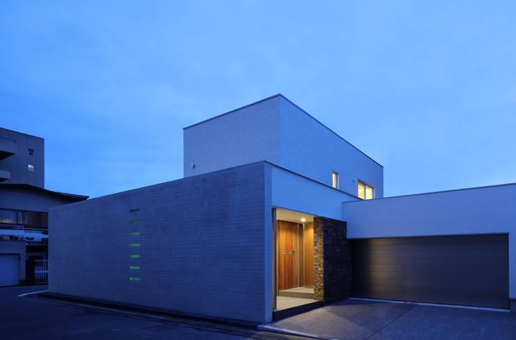 Casas de estilo  de 澤村昌彦建築設計事務所,