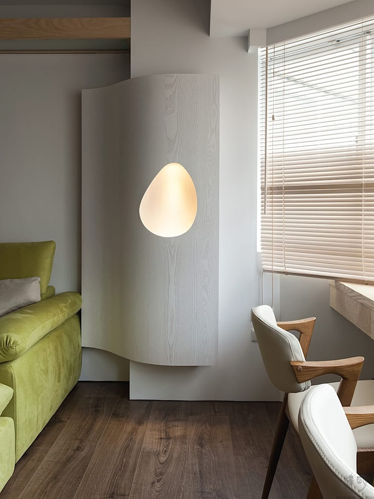 十畝之間:  客廳 by 禾光室內裝修設計 ─ Her Guang Design