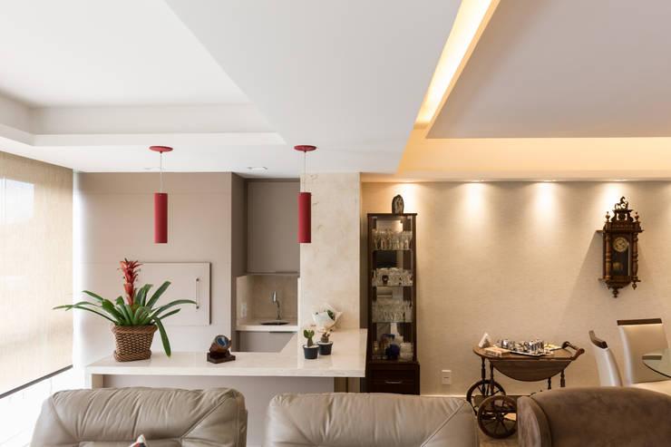 ECP | Estar: Paredes  por Kali Arquitetura