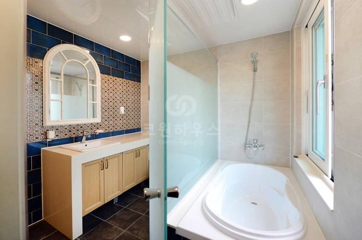 Salle de bains de style  par 코원하우스