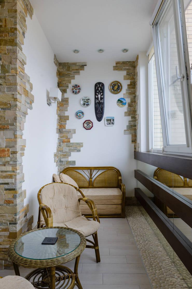 балкон для отдыха.: Tерраса в . Автор –  Яна Васильева. дизайн-бюро ya.va, Средиземноморский Камень