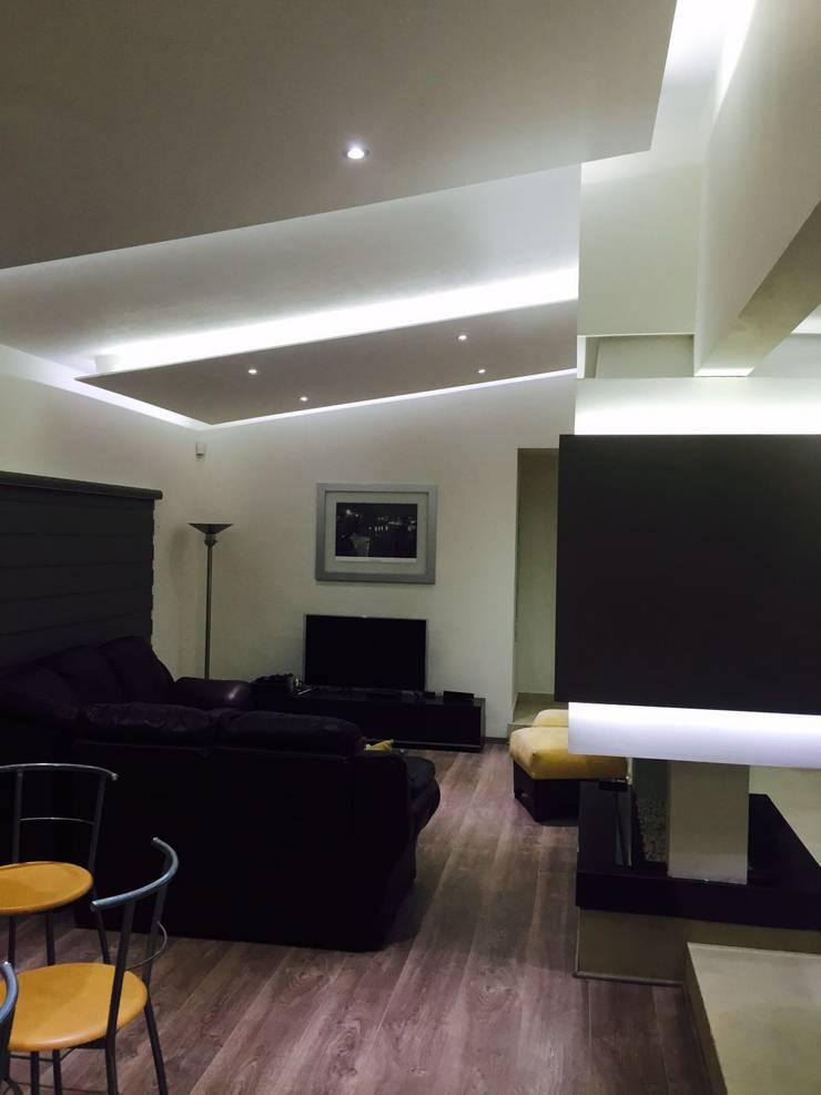 Living room by Arqca, Modern