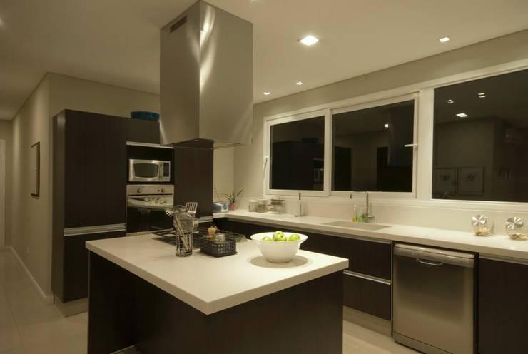 Nhà bếp by CIBA ARQUITECTURA