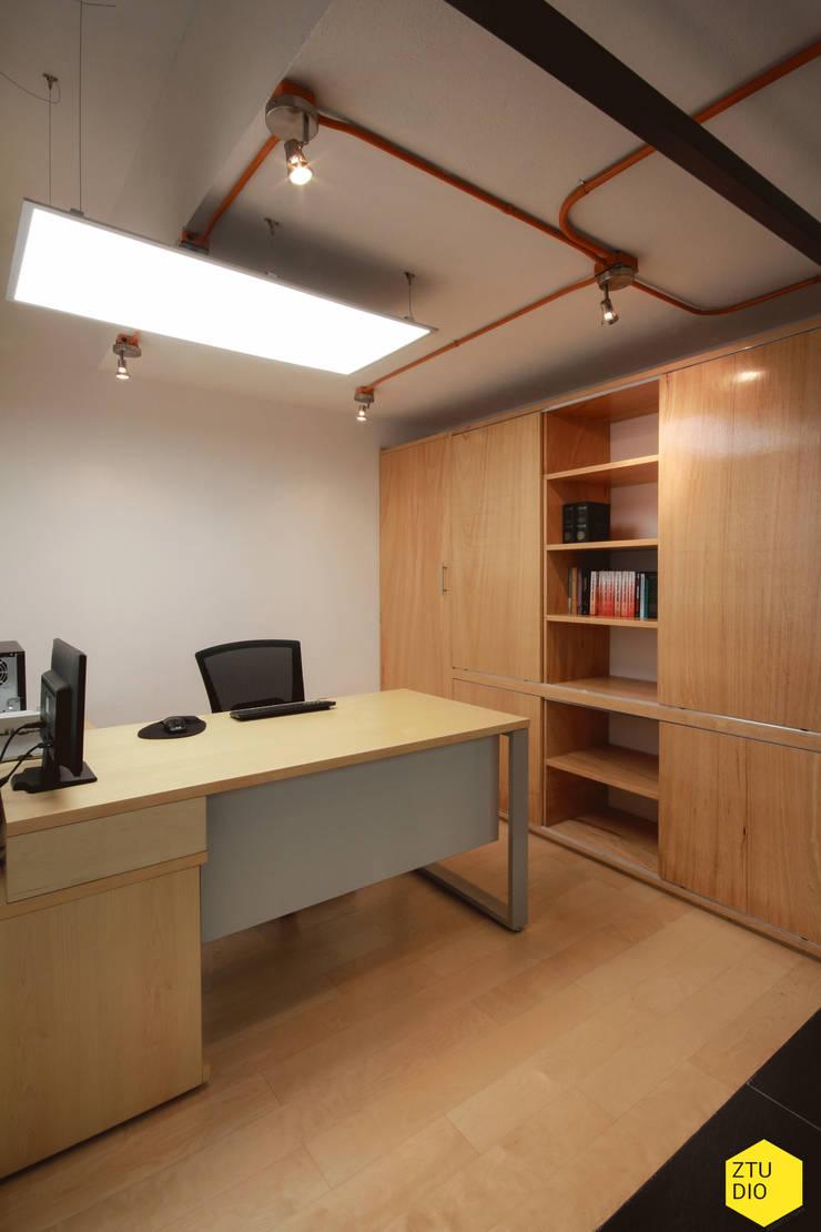 Módulo privado Abogados.: Estudios y oficinas de estilo  por ZTUDIO-ARQUITECTURA
