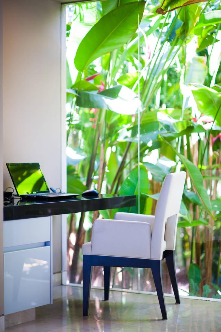 Fotografía de arquitectura – Villa Siriyana, Punta Mita, Nayarit: Estudios y oficinas de estilo  por Arcencielstudio