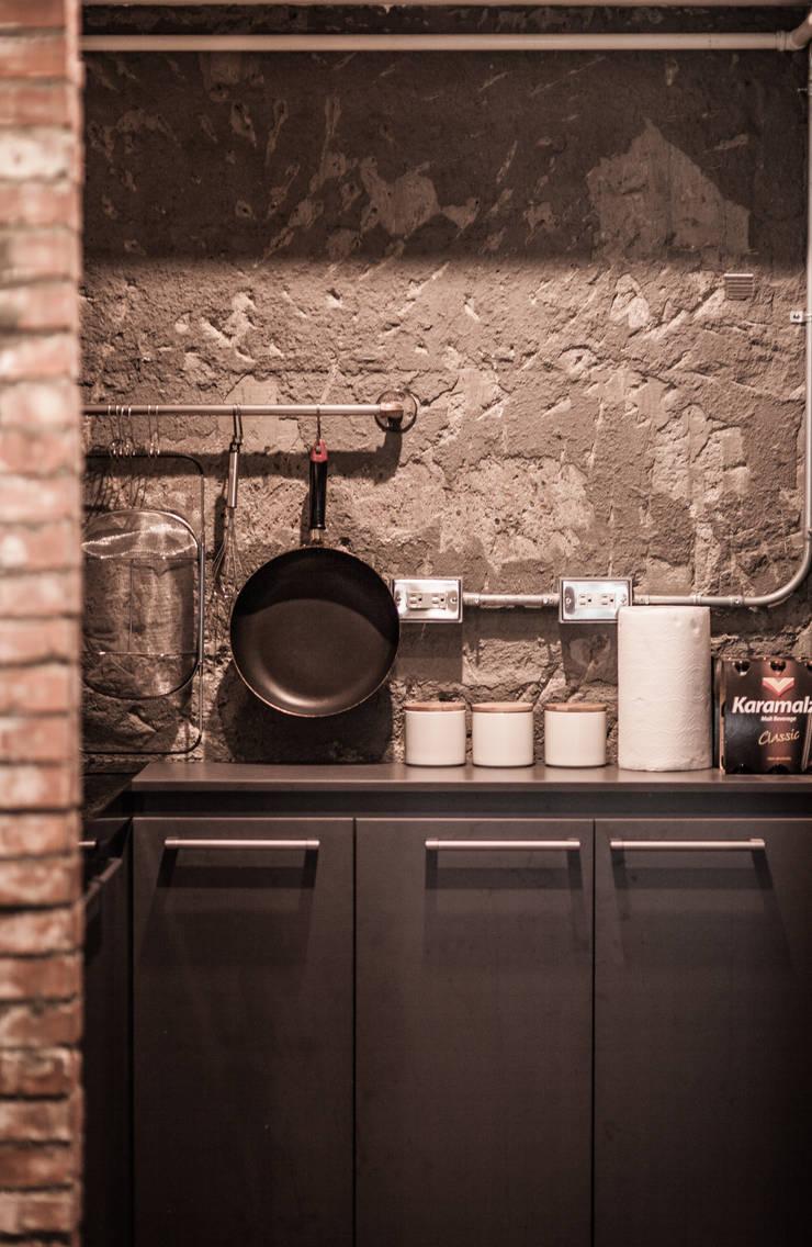 竹東 PC House:  廚房 by 丰墨設計 | Formo design studio