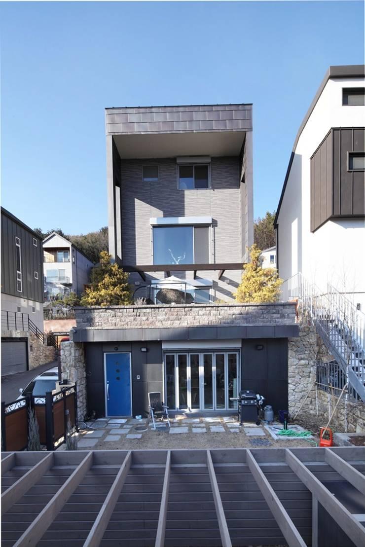 수하우징 프로젝트 B: 수하우징의  주택,모던