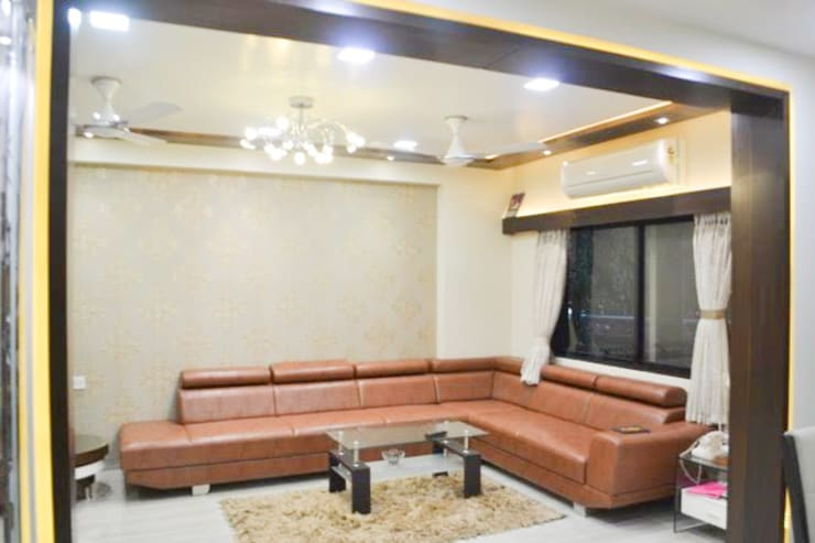 Residence of Mr Mukesh Shah: classic Living room by Sanchi Shah