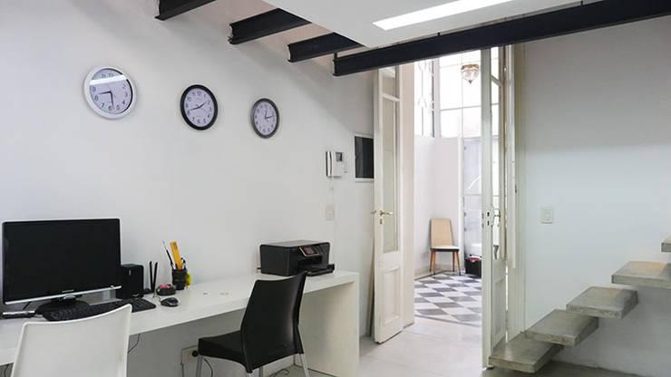 Estudio: Estudios y oficinas de estilo  por Isabel Amiano Arquitectura