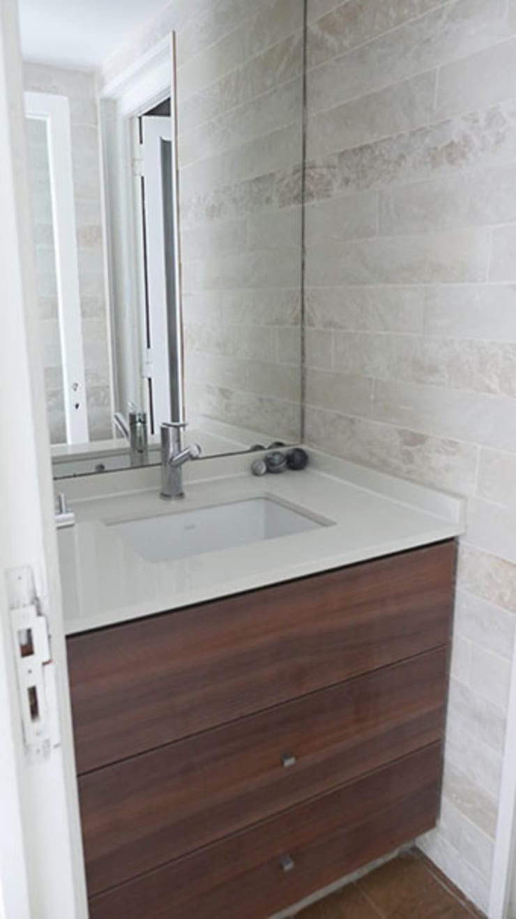 Bathroom by Isabel Amiano Arquitectura, Classic
