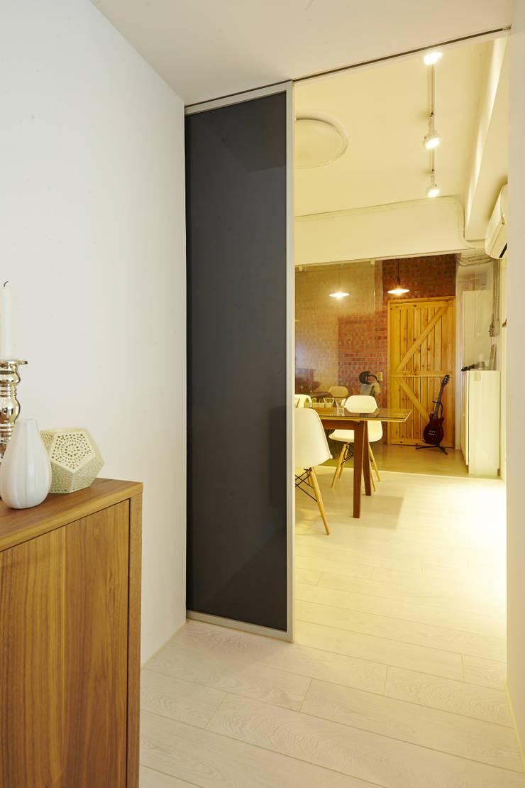 ห้องทานข้าว โดย 双設計建築室內總研所, อินดัสเตรียล