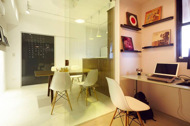 ห้องทำงาน/อ่านหนังสือ โดย 双設計建築室內總研所, อินดัสเตรียล