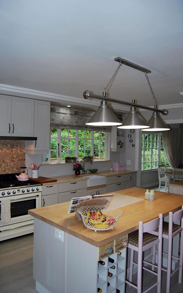 Dapur oleh Capital Kitchens cc