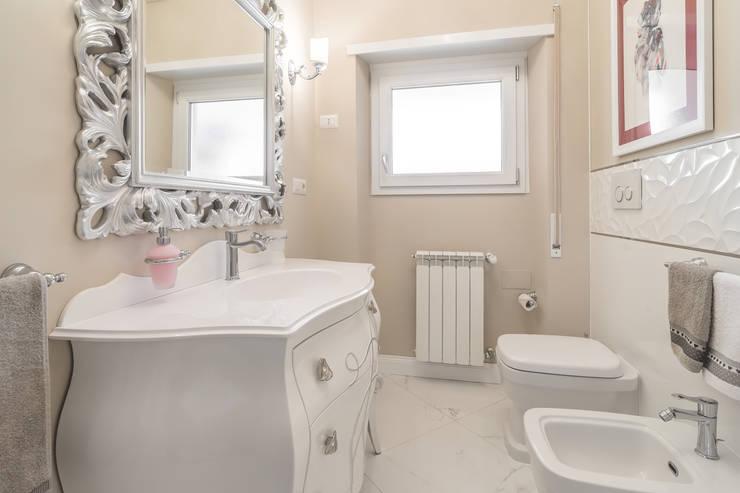 Un appartamento a roma dall 39 eleganza irranggiungibile for Arredi bagno roma