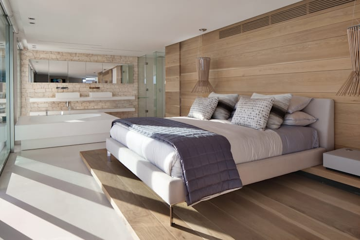 Roca Llisa:  Bedroom by ARRCC