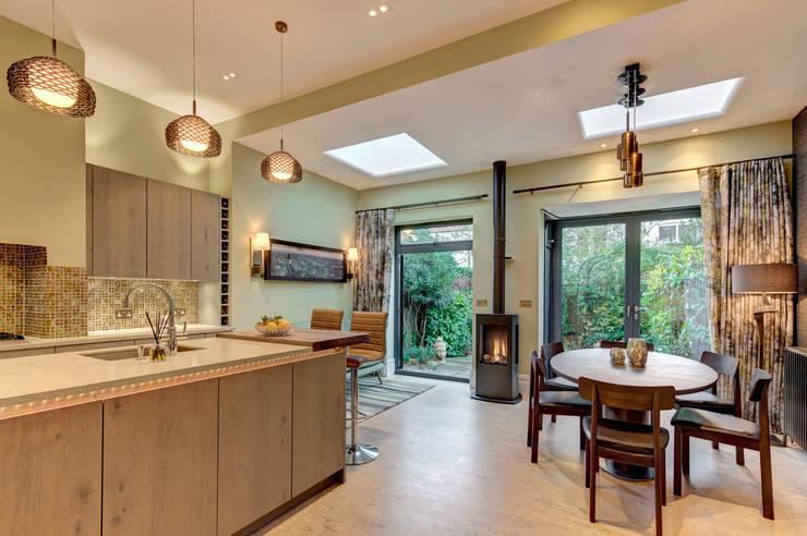 Kitchen by Chameleon Designs Interiors