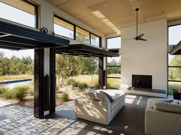 Healdsburg I:  Living room by Feldman Architecture