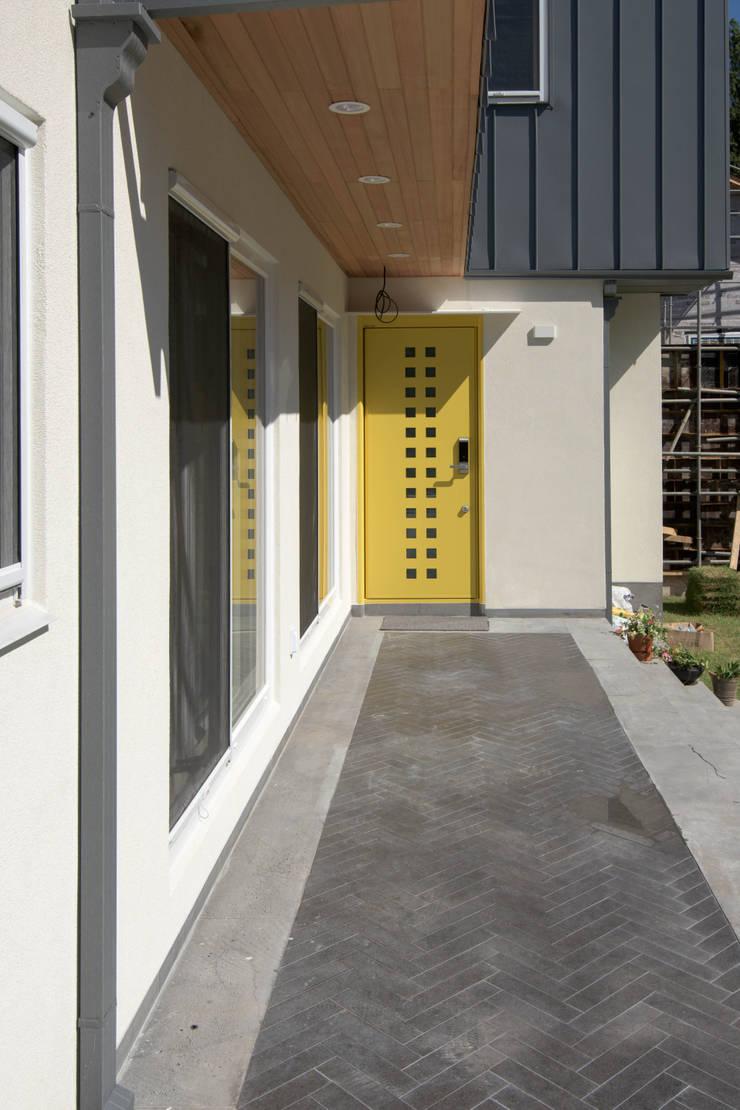 외부전경7(현관): 건축사사무소 재귀당의  주택