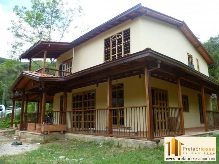 Casa pre fabricada en bogotá 2: Casas de estilo moderno por PREFABRICASA
