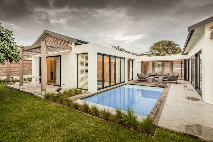 Umhlanga Manors:  Houses by Sphere Design & Architecture