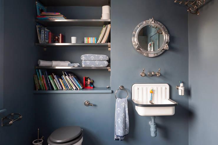 Phòng tắm by Blankstone
