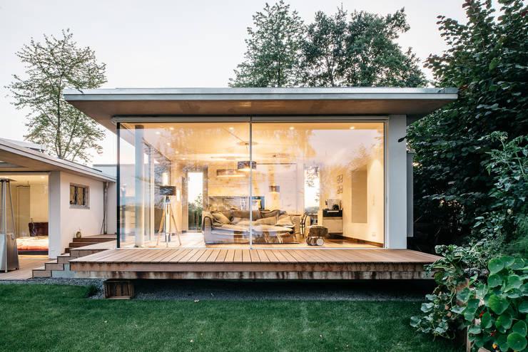 moderne Woonkamer door Burckhardt Metall Glas GmbH