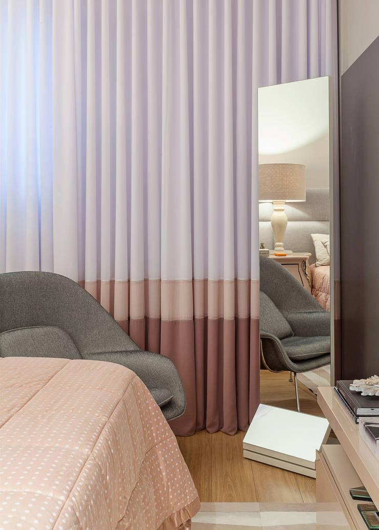 Dormitorios de estilo  de Jacqueline Ortega Design de Ambientes, Clásico