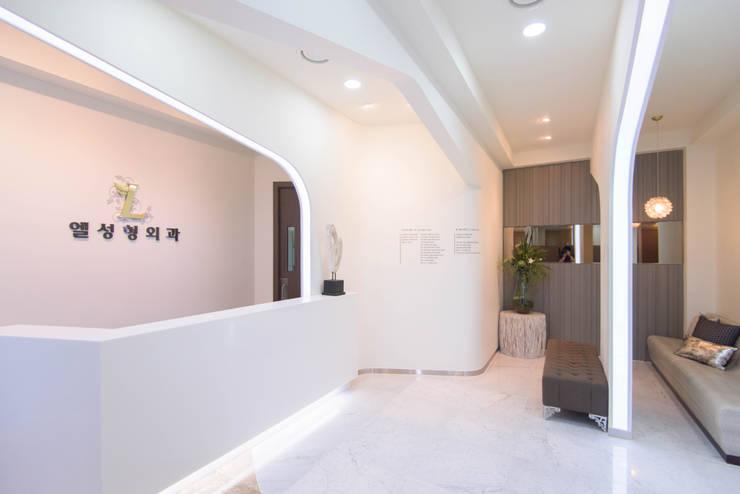 내부공간3: 건축사사무소 재귀당의  서재 & 사무실