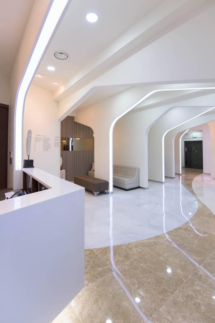 내부공간4: 건축사사무소 재귀당의  서재 & 사무실