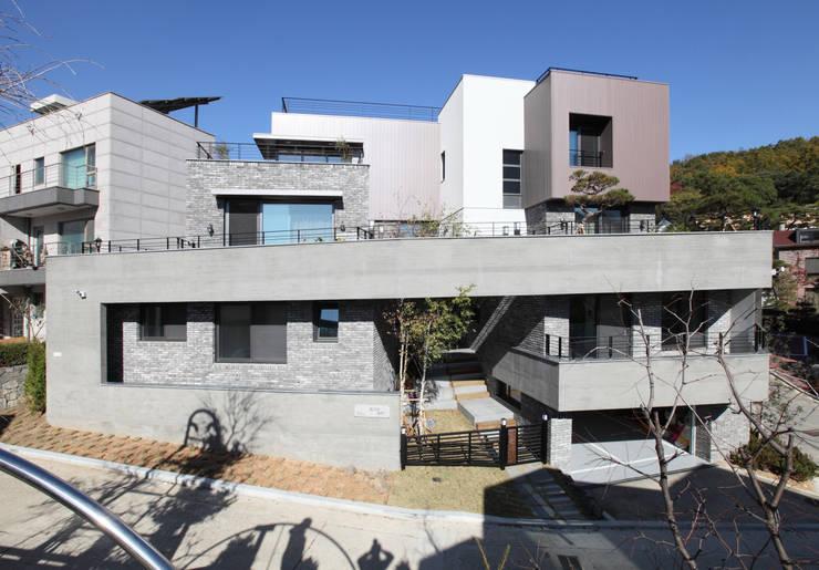 상적동 빛고은 뜨락: U-HAUS의  주택