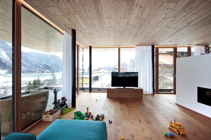 Гостиная в . Автор – BESTO ZT GMBH_ Architekt DI Bernhard Stoehr