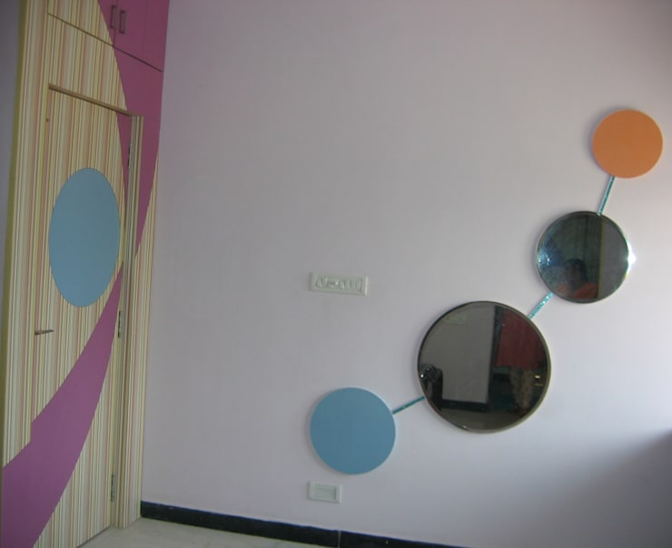 grow with me mirror:  Bedroom by Bluebell Interiors,Modern Plywood