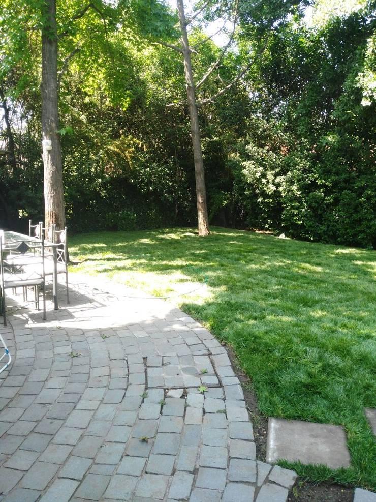 Remodelación de jardín:  de estilo  por Construcciónes J&r