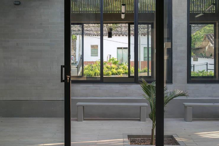 Terrazas de estilo  por santiago castrillón hincapié