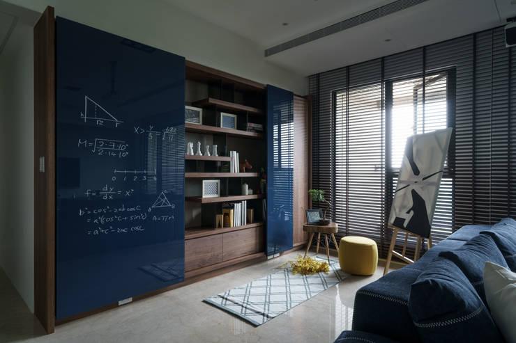 靚 :  書房/辦公室 by 千綵胤空間設計