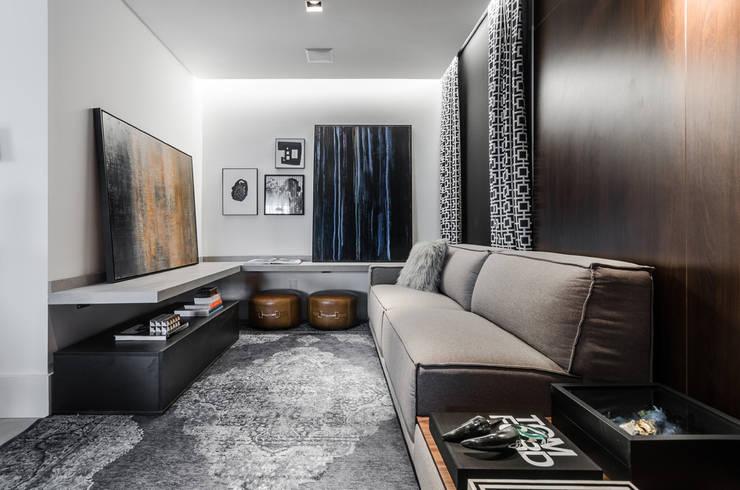 Hotspot 105: Salas de estar  por Tiago Rocha Interiores